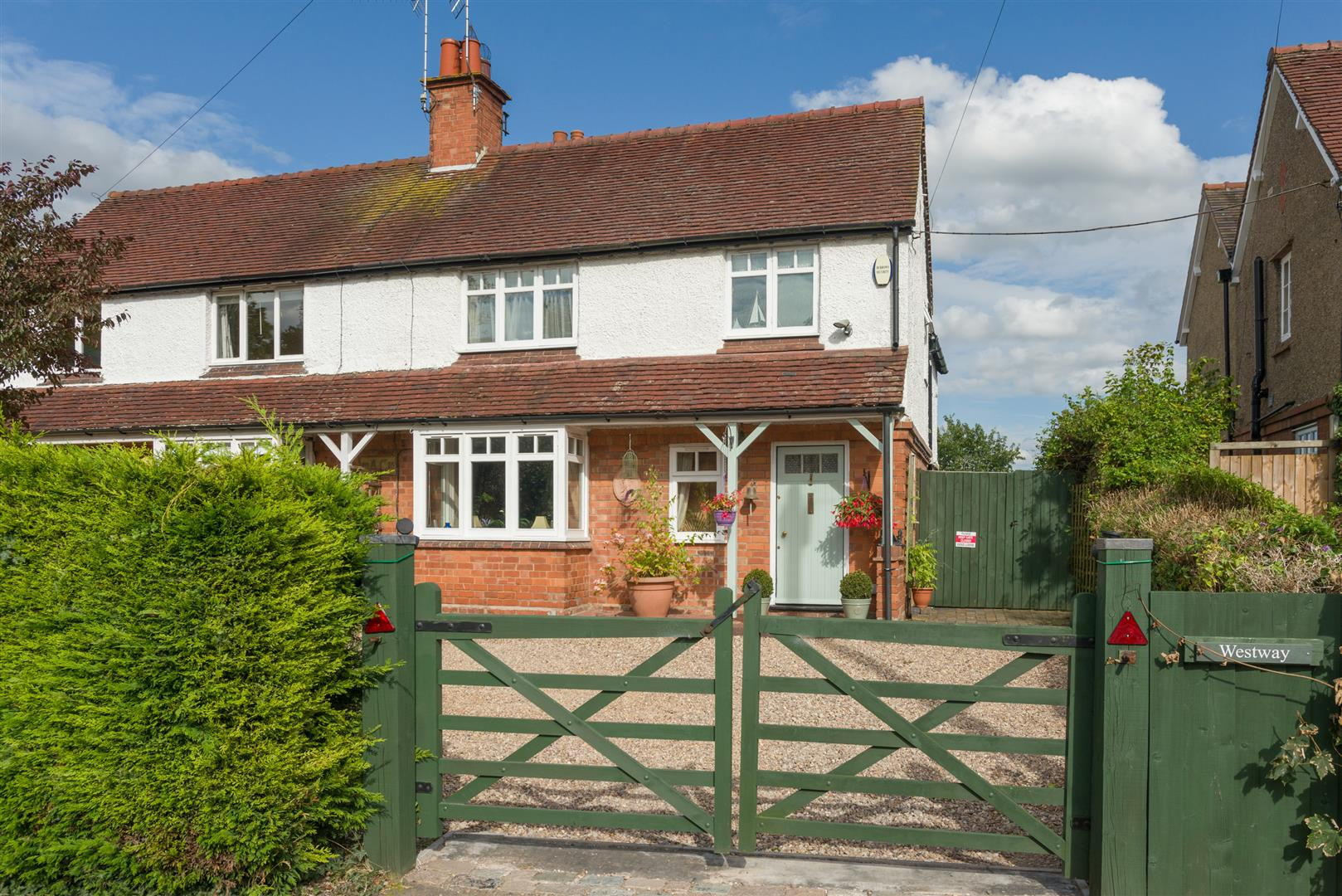 3 Bedrooms Semi Detached House for sale in Wolverton, Snitterfield, Stratford upon Avon